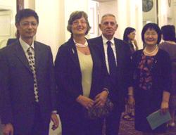 60 anni della Repubblica Popolare Cinese. Ambasciata cinese a  Roma, nella foto, da sinistra: Liyuan, primo segretario d'ambasciata, Irene e Antonio di Paola, Li Xi , capo dell'Ufficio culturale cinese