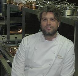 Matteo Pisciotta nella cucina del Luce a Villa Panza
