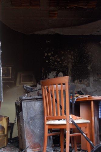 incendio in casa abusto arsizio, grave 58enne