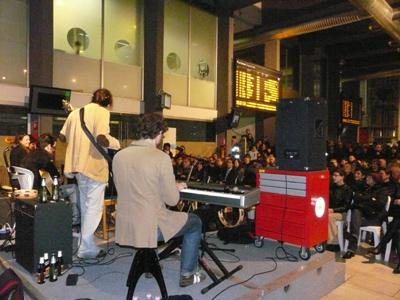 Re della Cantina in concerto alla stazione di Gallarate