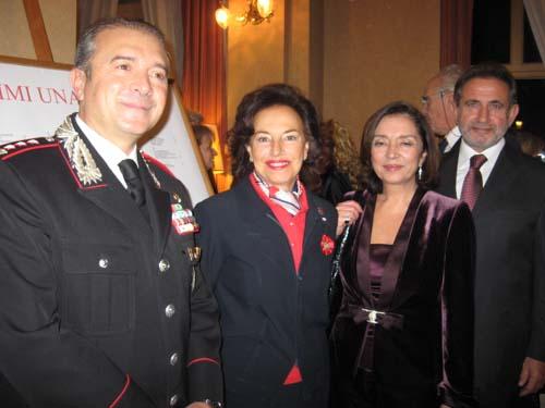 La presidente laura sessa, insieme al prefetto Simonetta Vaccari, Il comandante della Compagnia di Varese dei Carabinieri Maurizio Delli Santi