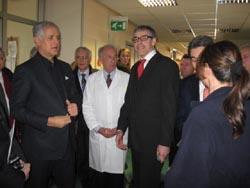 Il Presidente Formigoni con il dg Bergamaschi in visita all'hospice