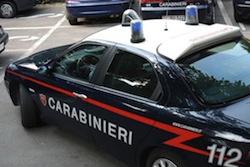 Carabinieri scoprono fabbrica-dormitorio a Gallarate