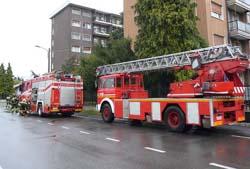 Vasca Da Bagno Bloccata : Bloccato nella vasca da bagno i pompieri si calano dall alto