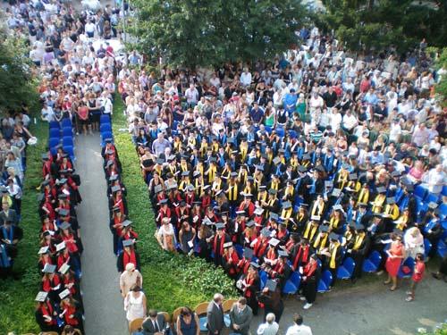 La festa dei diplomi all'Itc Tosi