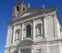 Gallarate: le parrocchie in difesa del prevosto attaccato dal Giornale