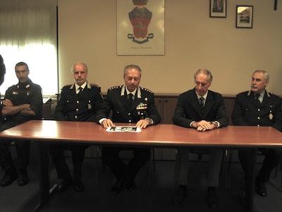 Il comandante provinciale dei carabinieri Delli Santi e il Procuratore Maurizio Grigo