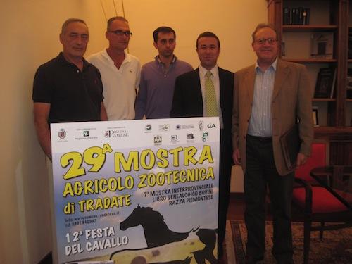 A sinistra Claudio Vallini, terzo da sinistra Stefano Candiani