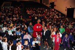 Il Gabibbo con i bambini delle scuole primarie di Varese