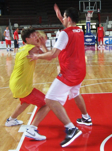 giacomo zattra alen trepalovac allenamento cimberio basket