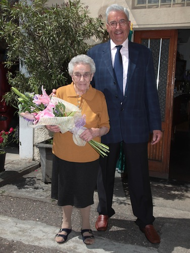 Rosa Cadario, cento anni, con il sindaco Giuseppe Franzi