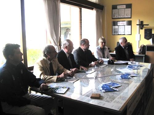 Il tavolo degli organizzatori