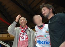 Fabrizio tra i campioni di basket Manuel Raga e Gianmarco Pozzecco