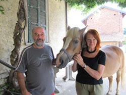 Chicco e Betty Colombo con il cavallo