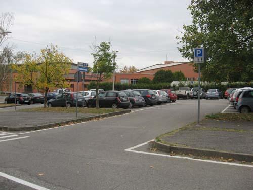 Pieni ma non esauriti i parcheggi a disco o liberi