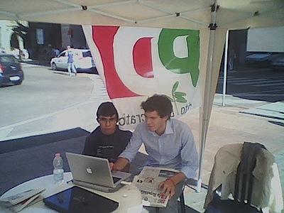 Giovani in piazza per l'open day giornalistico