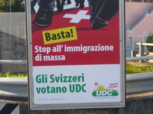 cartelli campagna elettorale immigrazione