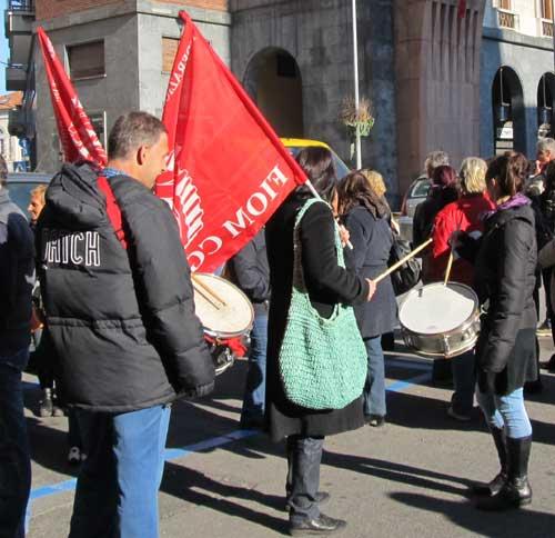inda presidio in centro a Varese