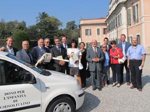 Donati al comune 225.000 mila euro e due automobili