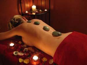 """Stone terapy al Centro olistico massaggi """"Nelle mani degli angeli"""" di Azzate"""