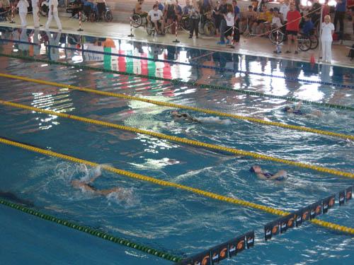 Weekend di gare alla piscina manara per i nuotatori - Piscina busto arsizio ...