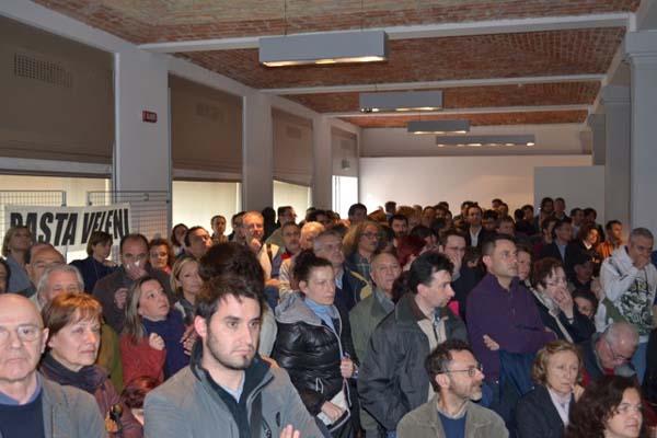 Affollata assemblea contro il progetto Elcon
