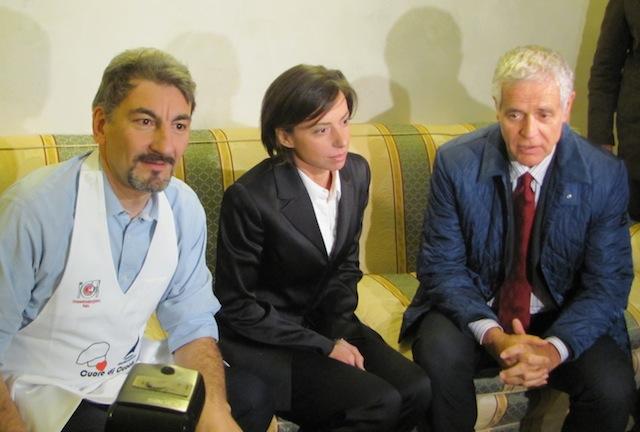 Alexandra bacchetta con Robertro Formigoni e Raffaele Cattaneo