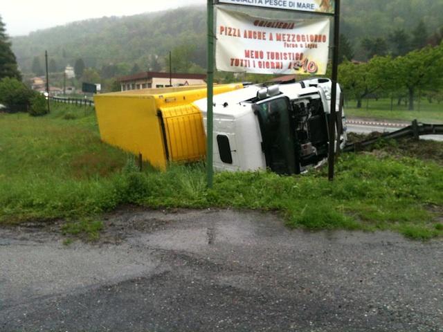 incidente cuveglio autotreno