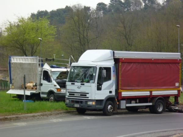 camion ribaltato vergiate