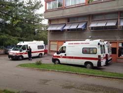 Le ambulanze parcheggiate alla Vidoletti