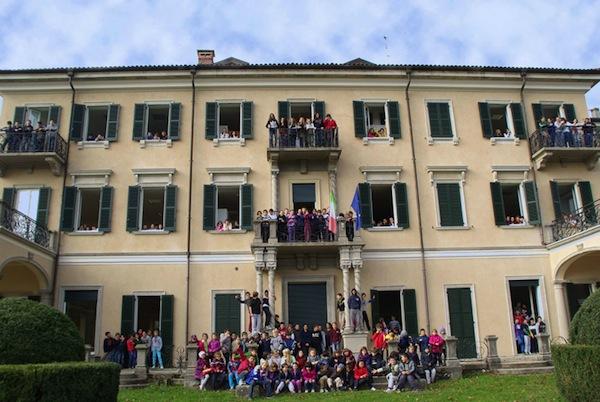 La copertina del calendario 2013 della scuola Villa Valerio