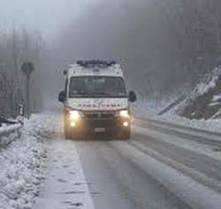 ambulanza neve foto