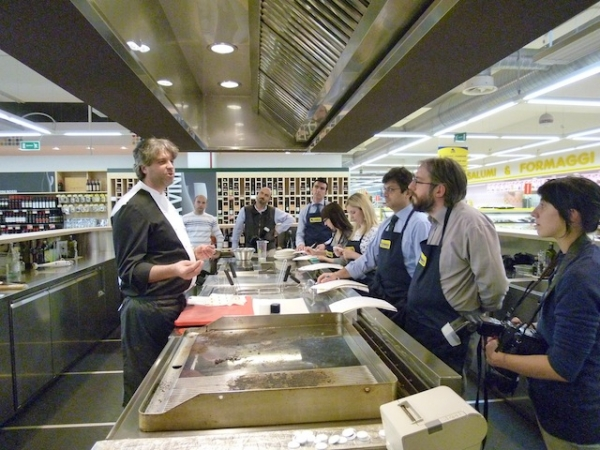 tigros presenta la nuova iniziativa realizzata in collaborazione con lo chef matteo pisciotta del ristorante luce di villa panza a varese i corsi di cucina
