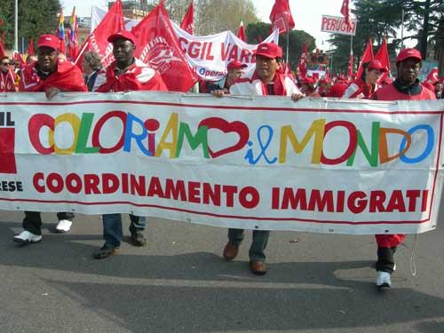 Molti gli immigrati alla manifestazione di Roma indetta dalla Cgil