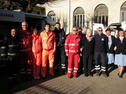 Il gruppo dei volontari nella sede di Gavirate di CRI