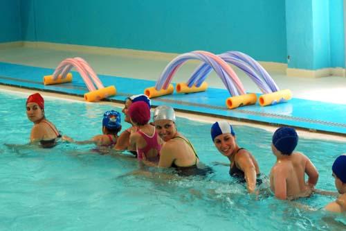 L'associazione Acquamondo da 36 anni fa volontariato in piscina