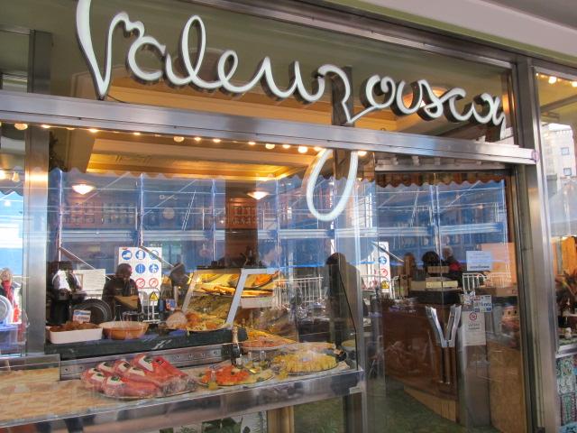 Valenzasca, un altro negozio storico che se ne va