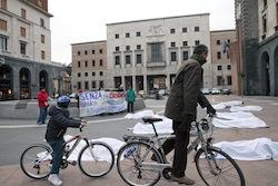 Flash mob docenti a Varese