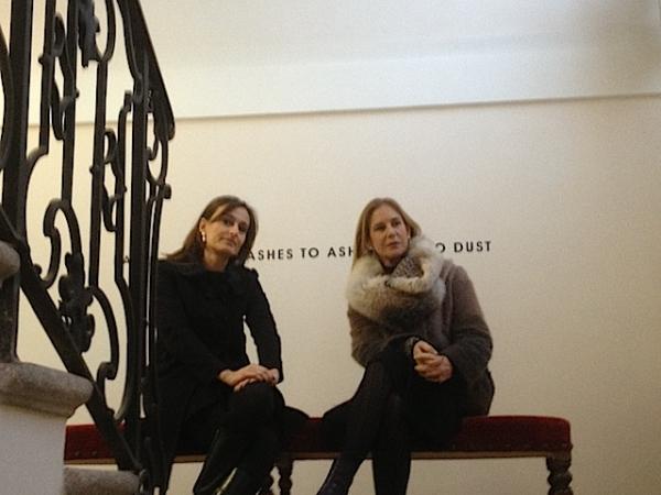 Anna Bernardini a Villa Panza, tra le opere di Weiner